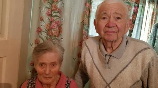 Старики, которым помогает Мир Дому Вашему