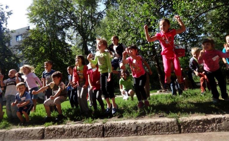 Детский лагерь Мир дому вашему, кризисные семьи